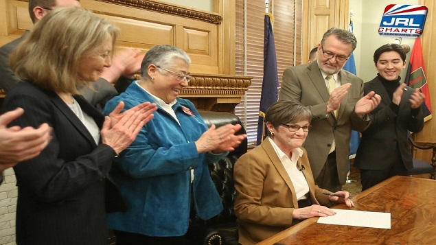 Governors of Kansas and Ohio Order LGBT Protection for State Workers