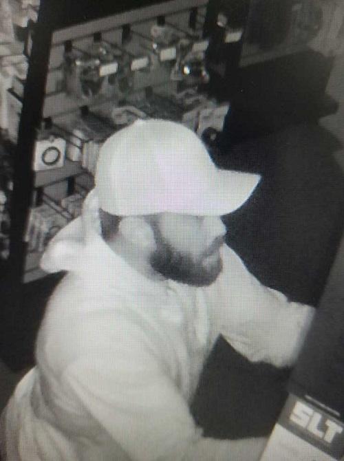 AdamEve-Burgler-Image-2-Suspect-Photo-Courtesy-of-IFPD