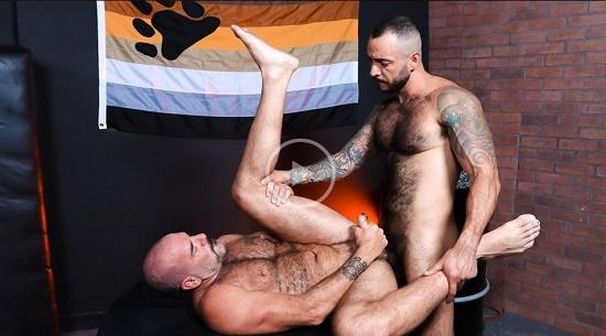 PILOT SCENE The Bear Den - Gay Porn Trailer - jualian torres-jack dyer