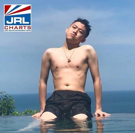 Rich Brian-shirtless-twitter-2020