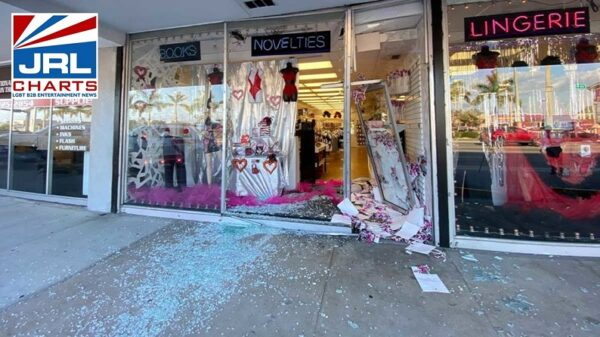 Car Crashes Into Popular Adult Store in Fort Myers-2021-04-04-JRL-CHARTS-03